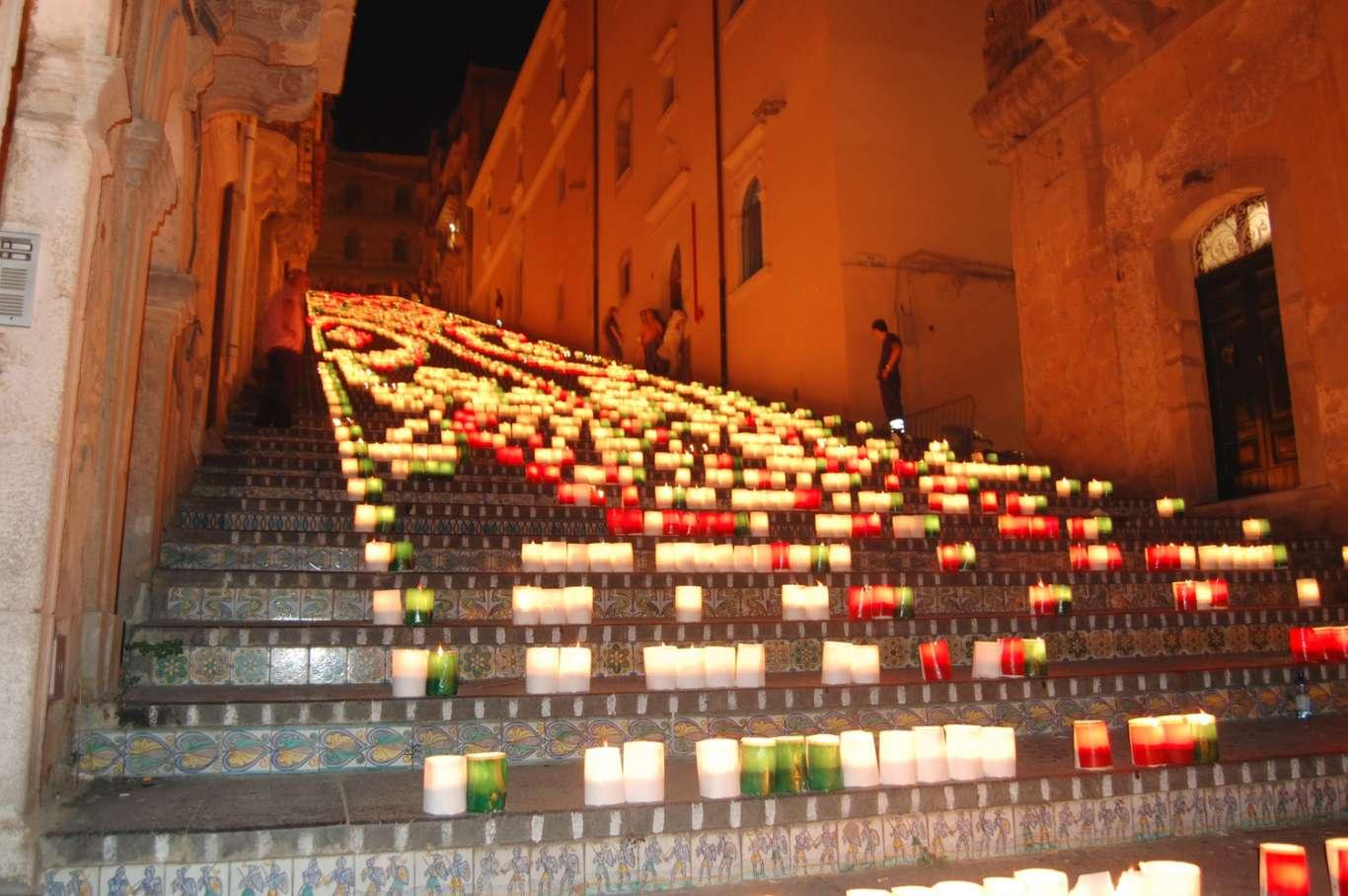 Scala illuminata Catagirone